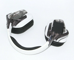 Picture of Broken Logitech G933 Limited Edition White Headband Headsets for Multi-Platform