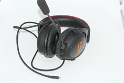 Picture of Broken Kingston HyperX Cloud Core Black/Red Headband Headsets for Multi-Platform