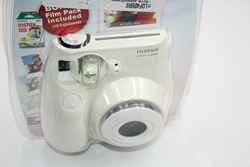 Picture of FujiFilm Instax Mini 7S Instant Camera - White