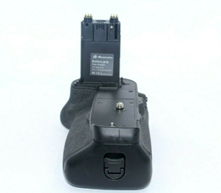 Picture of Powerextra BG-E16 Battery Grip For Canon 7D Mark II Camera