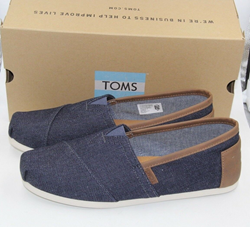 Picture of Toms Men's Classic Dark Denim Ankle-High Fabric Slip-On Shoes US 10.5